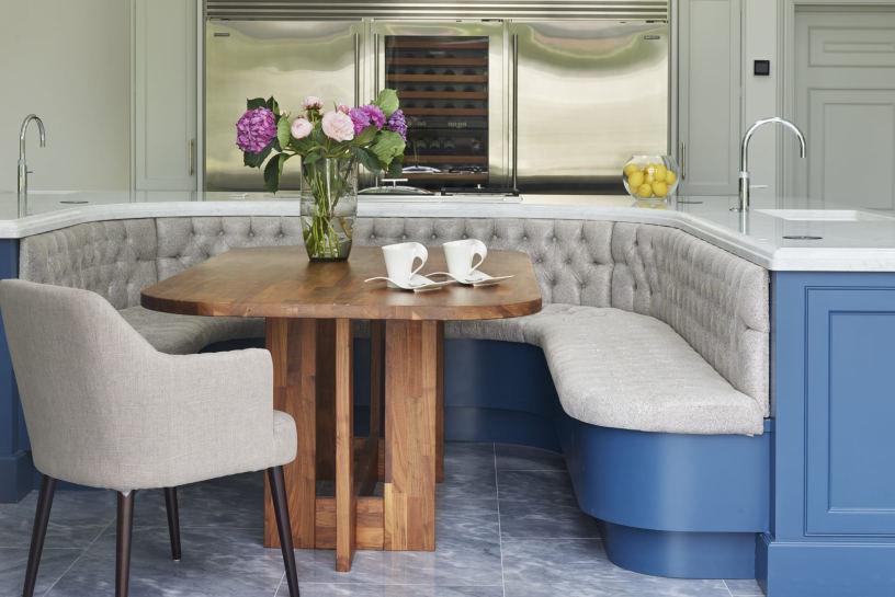 Как выбрать обеденный стол на кухню?