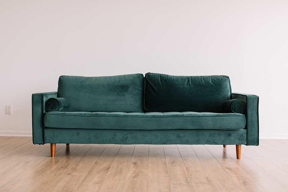 Как перетянуть диван - 17
